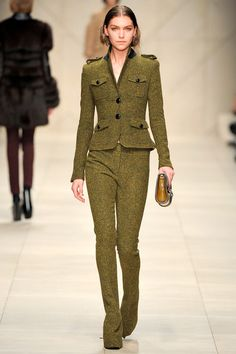 Burberry Prorsum Fall 2011 Ready-to-Wear Collection Photos - Vogue