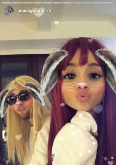 Ariana Grande❤et mac miller delires💖 Mac Miller And Ariana Grande, Ariana Grande Mac, Selfies, Red Wigs, Ariana Grande Pictures, Dangerous Woman, Celebs, Celebrities, Celebrity Crush