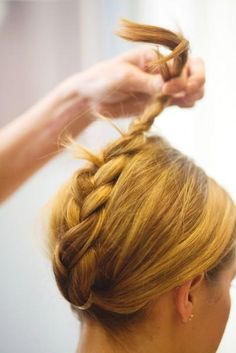 Easy and awesome ponytails for the holidays!