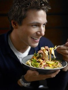 Celebrity Chef Rocco DiSpirito Loses Weight A Pound A Day. #dietnews #weightlossnews