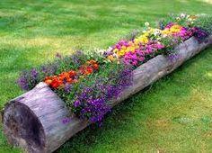 Risultati immagini per flower beds around trees pallets tutorial