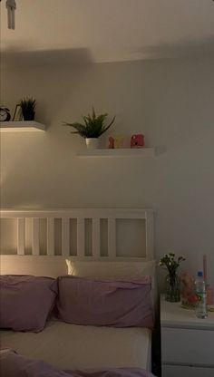 Room Design Bedroom, Room Ideas Bedroom, Bedroom Decor, Bedroom Inspo, Pastel Room, Indie Room, Minimalist Room, Pretty Room, Aesthetic Room Decor