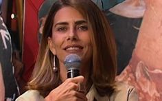 """Junto de sua filha, a atriz é a convidada a responder as perguntas mais íntimas no quadro """"Intimidade"""", no Planeta Xuxa. #PlanetaXuxa #Xuxa #TVXuxaInternacional"""