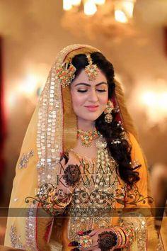 Follow- ahaq95... Pakistani Mehndi Dress, Bridal Mehndi Dresses, Pakistani Party Wear, Pakistani Wedding Dresses, Bridal Lehenga, Indian Dresses, Indian Bridal Fashion, Indian Bridal Wear, Bride Indian