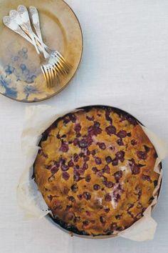 Grape flat bread (schiacciata con l'uva) recipe: the best Italian recipes.