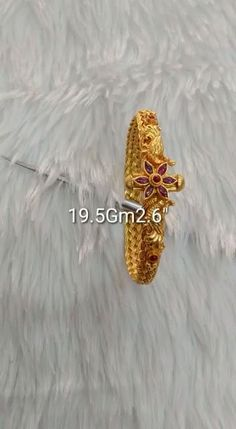 Gold Ring Designs, Gold Bangles Design, Gold Jewellery Design, Antique Jewellery, Silver Wedding Jewelry, Gold Jewelry Simple, Pearl Necklace Designs, Gold Earrings Designs, Gold Bangles For Women
