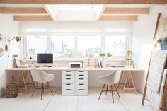 36+Inspirational+Home+Office+Workspaces+That+Feature+2+Person+Desks