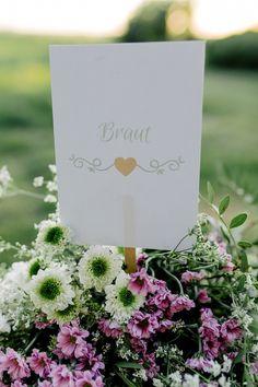 sweet rustic infused wedding shooting by Svenja Kock Fotografie as seen on Wedding Blog Humming Heartstrings. Read more: http://www.hummingheartstrings.de/?p=17545