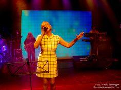 Am 29. April 2015 gab es ein von Radio Wien initiiertes Eurovisionskonzert der besonderen Art im Wiener Metropol: Ehemalige österreichische ESC-Starter zelebrierten, begleitet von der Band The Bad Powells ihre Songs von damals. ---------------------------------- #esc #vienna #buildingbridges #eurovision #austria #metropol #NadineBeiler #MarianneMendt #TonyWegas #ThomasForstner #Mess #GaryLux ---------------------------------- Mehr Eurovision-News auf…