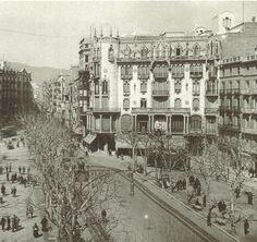 1920's.- La Casa Fuster en els seus primers anys, amb el terrat lliure de qualsevol reclam publicitari