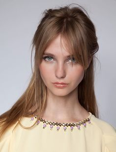love the grown out bangs