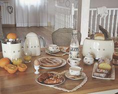 La colazione Tradizionale è quella che preferisco! Partecipa anche tu al concorso #BuongiornoSMEG, in palio gli elettrodomestici della linea 50's style