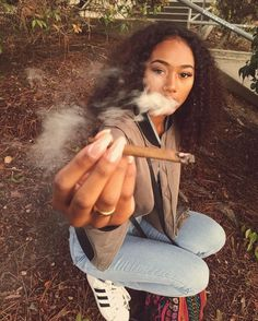 Weedpedia is your highest source of cannabis news, culture, and information. Check out the weed strain database and know what you're smoking! Weed Girls, 420 Girls, Girl Smoking, Smoking Weed, High Society, Kool Savas, Black Girls, Black Women, Puff And Pass