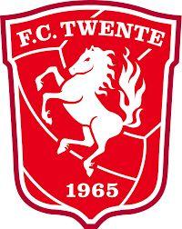 Dit is het logo van FC twente. Het logo bestaat uit de kleuren rood en wit. Het paard in het logo is zo omdat vroeger in de streek Twente Saksen rondtrokken en hun symbool was een paard Ik vind het een mooi logo omdat ik het paard zo mooi vind in verband met de achtergrondkleuren.