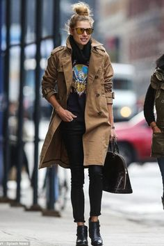 Style Inspiration: 13 Ways To Style A Vintage Tee - Jessica Hart in a trench coat, jeans & ankle b…, Fashion Mode, New York Fashion, Look Fashion, Fashion Photo, Teen Fashion, Winter Fashion, Fashion Days, Latest Fashion, High Fashion