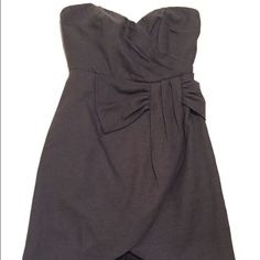 "NWT! THEME Strapless Gray Dress New with tags - never worn!  Excellent condition!  Great dress for wedding season!  Nice gray neutral.  Size small.  Measures 26"" long at the lowest part.  45% cotton - 45% ramie - 10% polyester. THEME Dresses Mini"