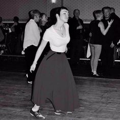 Northern Soul Girl Dancin' The Night Away. Soul Train Fashion, Skinhead Girl, Free Films, Shall We Dance, Northern Soul, Britpop, Music Images, N Girls, Social Club