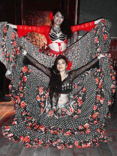 CIGANKA Danza Fusión Gitana. México D.F. facebook.com/ciganka.danzagitana facebook.com/chulaescarabajo Foto: Mildred Andeola