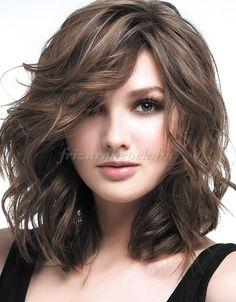 félhosszú hullámos frizurák - hullámos vállig érő frizura