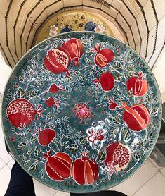 Pottery Painting, Ceramic Painting, Pomegranate Art, Traditional Tile, Painted Plates, Plate Art, Mandala Painting, Granada, Wildflowers