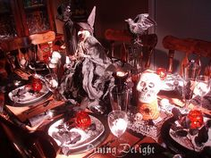 Dining Delight: Halloween Tablescape