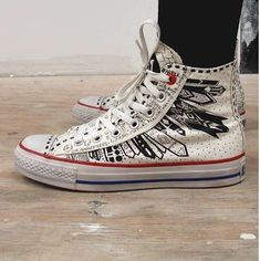 Converse Designs - From decade to decade, no one can get enough of these infamous white-tipped Converse designs. Although Chucks have changed in style over the years,. Diy Converse, Converse Design, Painted Converse, Painted Canvas Shoes, Converse Sneakers, Converse All Star, Ballerinas, Alexander Mcqueen Sneakers, Comme Des Garcons