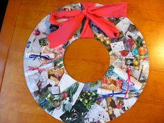 Kerstkrans van plaatjes uit tijdschriften.