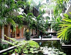 Luxury shopping at Bal Harbour Shops (Bal Harbour, Florida)