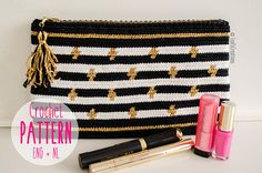 Crochet pattern Mochila clutch in black, white and gold - Tapestry crochet pattern English & Dutch - Lining instructions included