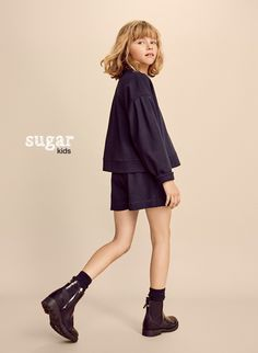 Eva Luuna from Sugar Kids for Massimo Dutti. Body Reference Poses, Pose Reference Photo, Photographie Portrait Inspiration, Kids Studio, Poses References, Fashion Photography Poses, Kid Poses, Tween Fashion, Lookbook