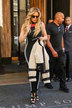 Khloe Kardashian Photos - Khloe Kardashian Leaves Trump SOHO - Zimbio