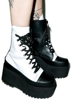 Current Mood Division Twister Boots