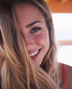 Find images and videos about beauty, smile and charly jordan on We Heart It - the app to get lost in what you love. Selfie Poses, Charly Jordan, Remy Hair Extensions, Hair Care Tips, Tumblr Girls, Eye Color, Pretty Face, Pretty People, Portrait Photography