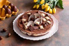 Kinderderkakku on helppotekoinen suklaakakku, joka valmistuu nopeasti. Hyydytä jääkaapissa muutama tunti tai hetki pakastimessa.
