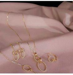 Gold Jewelry Simple, Stylish Jewelry, Luxury Jewelry, Fashion Jewelry, Gold Chain Design, Gold Ring Designs, Gold Earrings Designs, Fancy Jewellery, Gold Jewellery Design