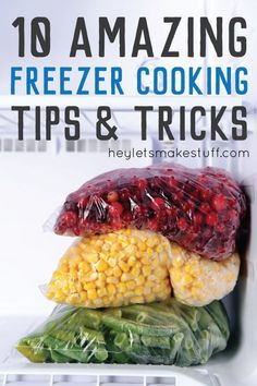 Do you love to prep and freeze your food ahead of time (or want to give it a try)? Then this guide is for you! Find out the best way to freeze your food perfectly every time!(Recipes To Try Weightloss) Freezing Vegetables, Frozen Vegetables, Freezing Fruit, Freezing Potatoes, Freezing Cooked Chicken, Freezing Strawberries, Raw Vegetables, Freezer Cooking, Cooking Tips