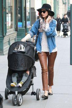 Miranda Kerr in Skinny Pants