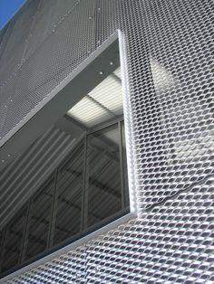 Fasadna obloga od mreže istegnutog metala