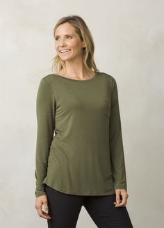 I love the prAna Foundation Tunic! Check it out and more at www.prAna.com