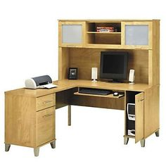 Reversible L-Desk with Hutch