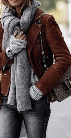 Grays and Browns go well together and are a great combination in winter! | Fall fashion outfit suggestions for trendy women.