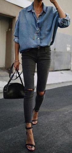Street Style and Fashion Inspiration 2018 Related Post Casual Clothes Outfit Moda Spring Summer 2018 Idea. how to style black booties for fall Black Denim Jeans, Distressed Denim Jeans, Ripped Denim, Black Skinnies, Denim Shirt, Blue Denim, Denim Coat, Black High Waisted Jeans Outfit, Chambray Shirts