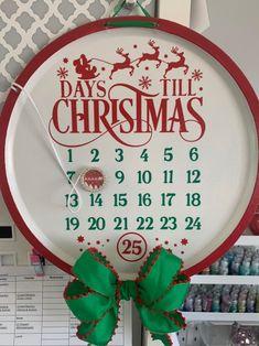 Dollar Tree Christmas, Christmas Signs, Diy Christmas Gifts, Christmas Projects, Holiday Fun, Christmas Holidays, Christmas Decorations, Christmas Ideas, Dollar Tree Decor