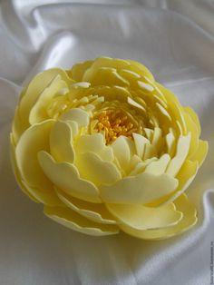 """Купить Брошь """"Жёлтый пион"""" (фоамиран). - лимонный, брошь, брошь ручной работы, брошь-цветок"""