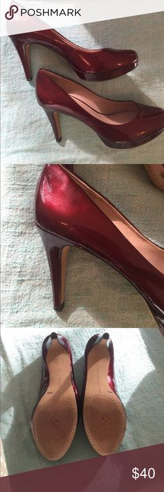 Like new!!!Vince Camuto Patent Red Heels 👠 No flaws, Vince Camuto Patent red heels in a gorgeous deep red heels. These have amazing shine. Vince Camuto Shoes Heels