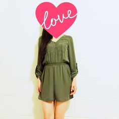 NWOT Dark green H&M dress Size 4. This is a military green shirt dress. This fabric don't show any wearness. It looks pretty new.  💜💛💗💖💝💟💙💌💕💞💓❤️🎀🎁🎂🎃🎄🎇🎆🎑🎍🎋🎉🎊🎈💫✨💥🎓👑🎎🎏🎀🎁🎂 H&M Dresses