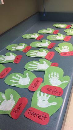 Christmas mitten handprint craft for preschool