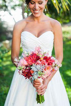 bright bridal bouquet// A Rustic Beach Wedding in Tamarindo, Costa Rica// abritandablonde.com