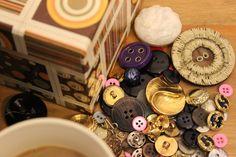 Los collares de botones, nuestra apuesta de la temporada, en el blog.