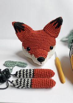 Amigurumi Toys, Amigurumi Patterns, Crochet Patterns, Crochet Toys, Free Crochet, Crochet Projects, Dinosaur Stuffed Animal, Beanie, Handmade